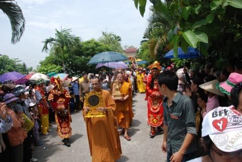Ninh Bình: Đại lễ Phật đản và cung nghinh Xá lợi Phật về Tổ đình Kim Liên (chùa Đồng Đắc) ảnh 17