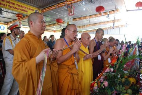 Ninh Bình: Đại lễ Phật đản và cung nghinh Xá lợi Phật về Tổ đình Kim Liên (chùa Đồng Đắc) ảnh 7