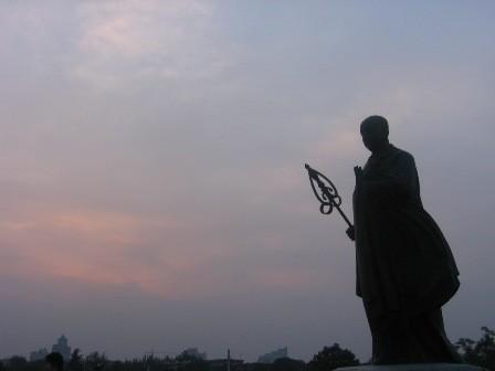 Xuanzang_Da_Yan_Ta_statue.jpg