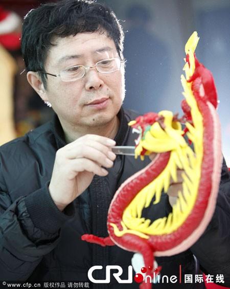 Người châu Á hân hoan đón mừng năm mới Nhâm Thìn-2012 ảnh 13