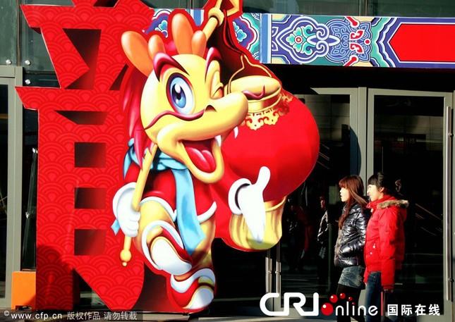 Người châu Á hân hoan đón mừng năm mới Nhâm Thìn-2012 ảnh 19