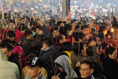 Người châu Á hân hoan đón mừng năm mới Nhâm Thìn-2012 ảnh 5