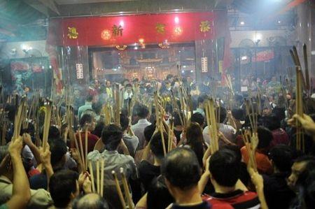Người châu Á hân hoan đón mừng năm mới Nhâm Thìn-2012 ảnh 6