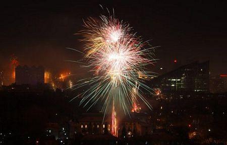 Người châu Á hân hoan đón mừng năm mới Nhâm Thìn-2012 ảnh 2