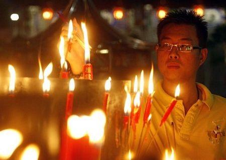 Người châu Á hân hoan đón mừng năm mới Nhâm Thìn-2012 ảnh 8