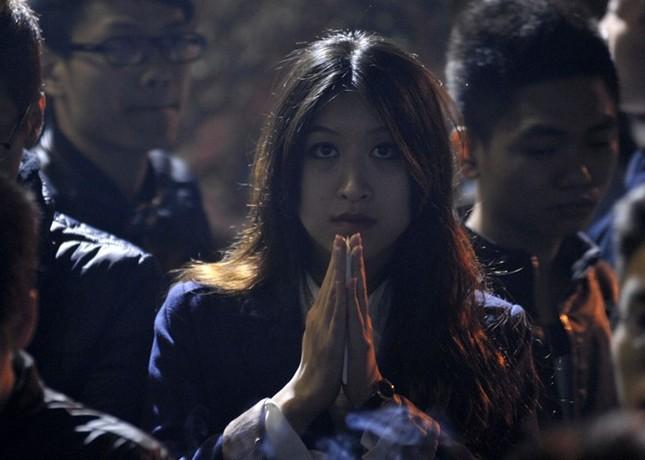 Hà Nội: Chen chân lễ chùa ngày đầu năm ảnh 5
