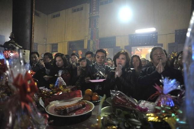 Hà Nội: Chen chân lễ chùa ngày đầu năm ảnh 6