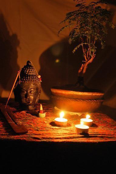 Phật trong đời.jpg