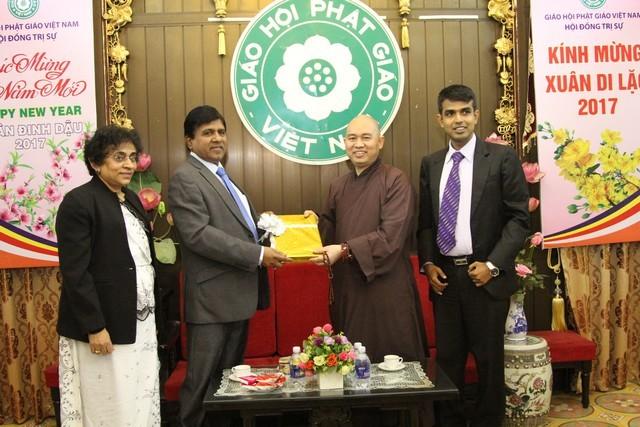 Bộ trưởng Sri Lanka thăm, làm việc với GHPGVN ảnh 2
