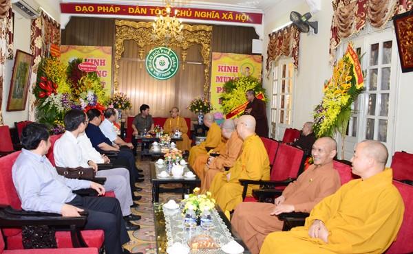 Các ban ngành T.Ư chúc mừng Phật đản GHPGVN ảnh 1