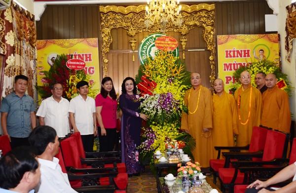 Các ban ngành T.Ư chúc mừng Phật đản GHPGVN ảnh 4