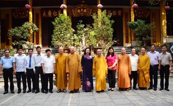 Các ban ngành T.Ư chúc mừng Phật đản GHPGVN ảnh 5
