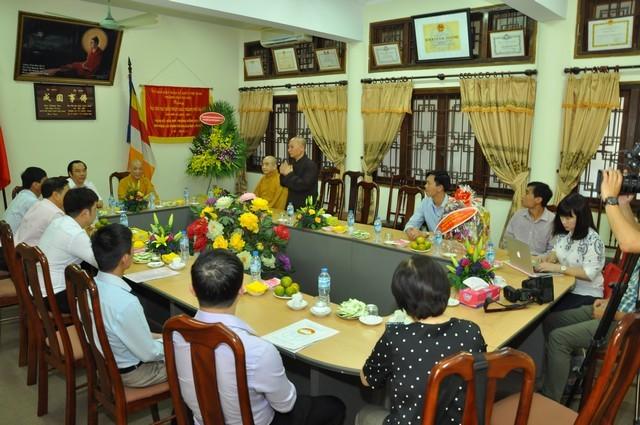 Các ban ngành T.Ư chúc mừng Phật đản GHPGVN ảnh 9