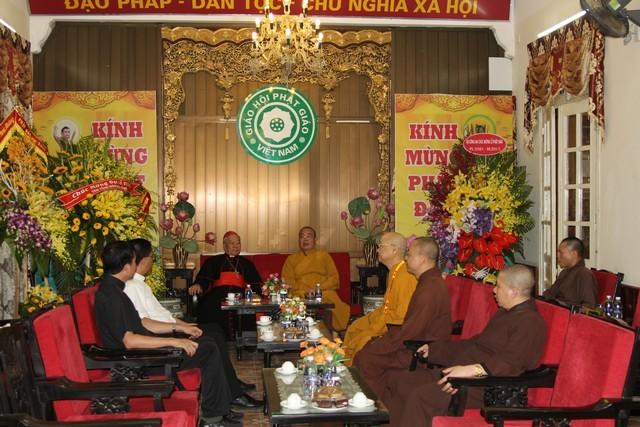 Hồng y Phêrô Nguyễn Văn Nhơn chúc mừng Phật đản ảnh 2