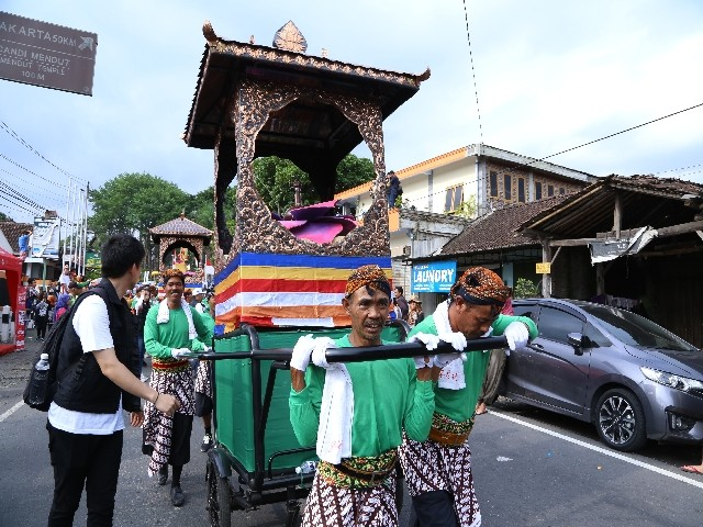 Chùm ảnh: Trang nghiêm rước Phật tại Indonesia ảnh 21