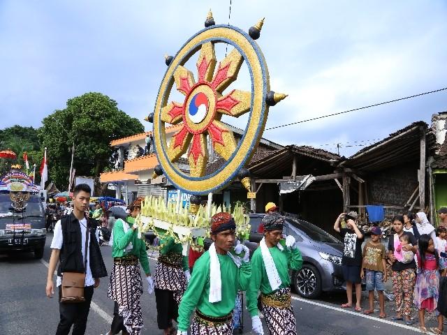 Chùm ảnh: Trang nghiêm rước Phật tại Indonesia ảnh 22