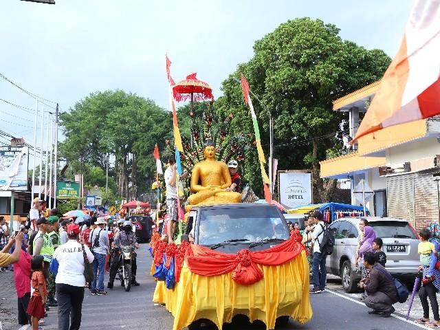 Chùm ảnh: Trang nghiêm rước Phật tại Indonesia ảnh 23