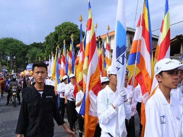 Chùm ảnh: Trang nghiêm rước Phật tại Indonesia ảnh 29