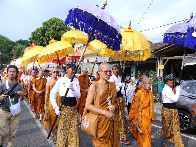Chùm ảnh: Trang nghiêm rước Phật tại Indonesia ảnh 31