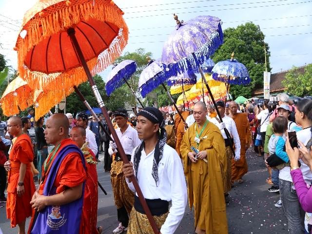 Chùm ảnh: Trang nghiêm rước Phật tại Indonesia ảnh 32