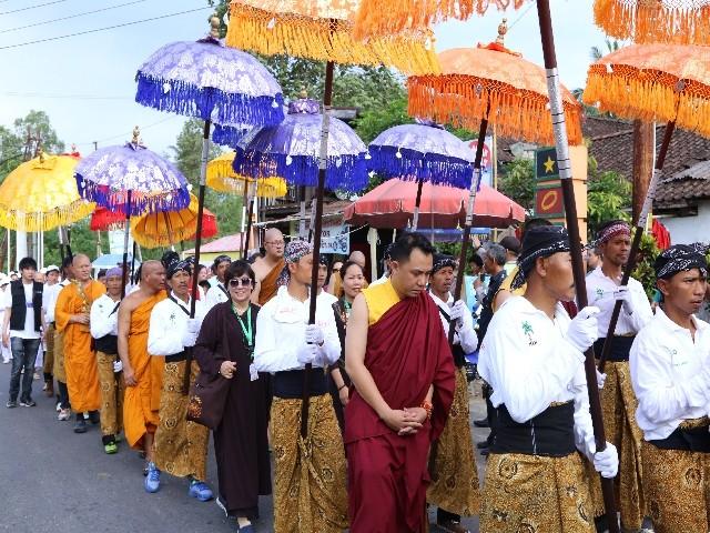 Chùm ảnh: Trang nghiêm rước Phật tại Indonesia ảnh 34