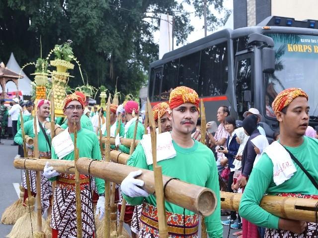 Chùm ảnh: Trang nghiêm rước Phật tại Indonesia ảnh 10