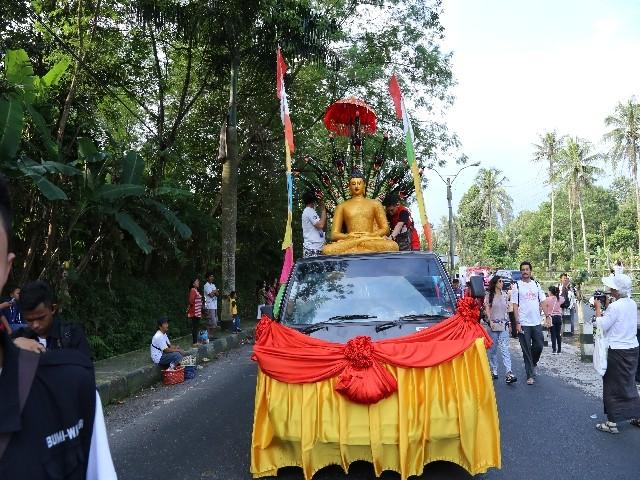 Chùm ảnh: Trang nghiêm rước Phật tại Indonesia ảnh 1