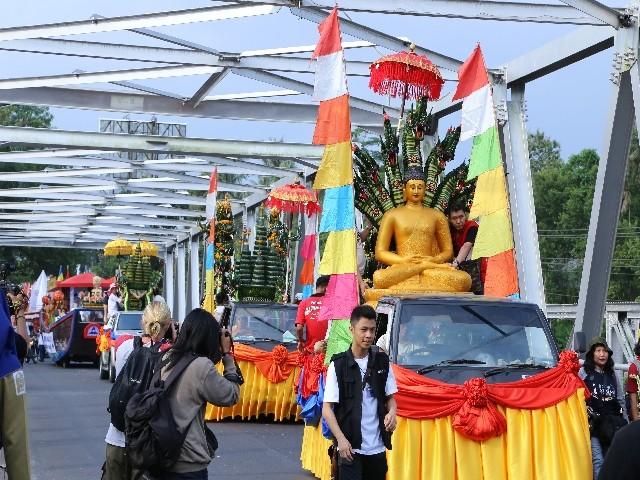 Chùm ảnh: Trang nghiêm rước Phật tại Indonesia ảnh 41