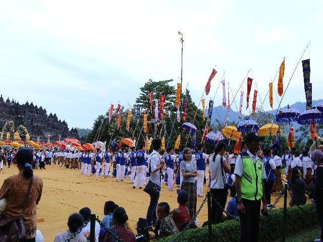 Chùm ảnh: Trang nghiêm rước Phật tại Indonesia ảnh 50