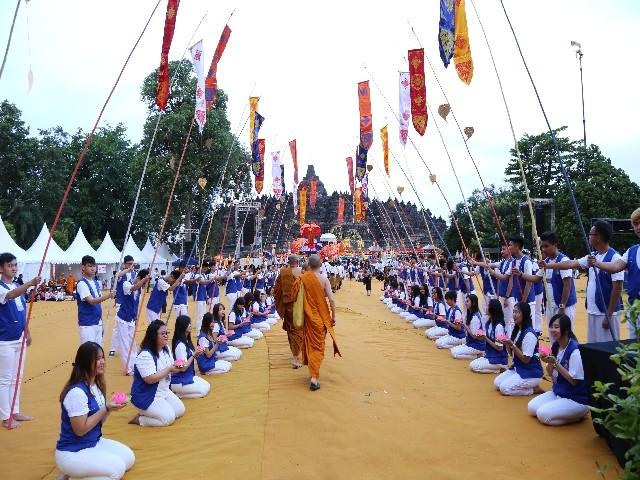 Chùm ảnh: Trang nghiêm rước Phật tại Indonesia ảnh 51