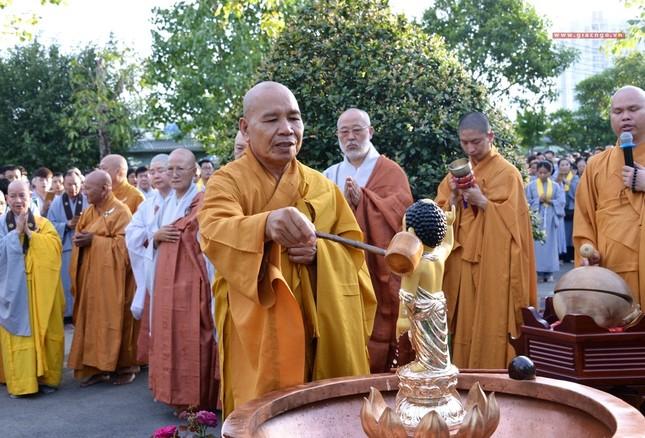 Le tam Phat tai chua Hue Nghiem (14).JPG
