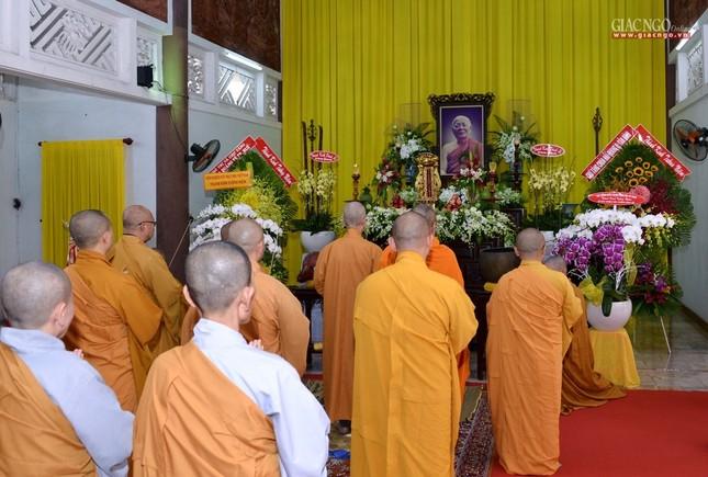 Khanh tue HT vien Truong - Tuong HT Minh Chau (5).jpg