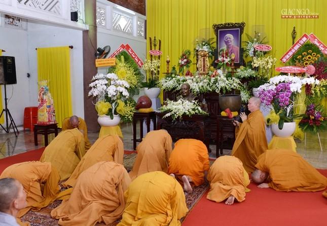Khanh tue HT vien Truong - Tuong HT Minh Chau (7).jpg