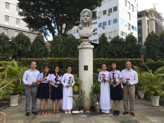 IMG_0967_Lễ trao HB Quách Thị Trang.JPG