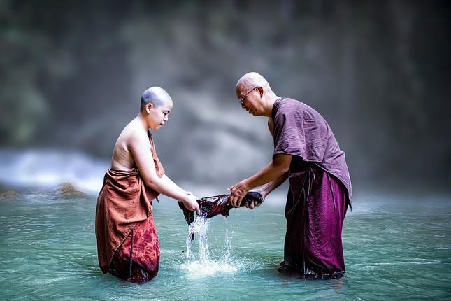theravada-buddhism-4750321_1280.jpg
