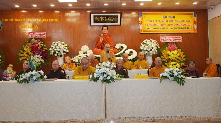 Hòa thượng Thích Thiện Đức, Phó Trưởng ban Trị sự GHPGVN TP.HCM phát biểu chỉ đạo tại hội nghị