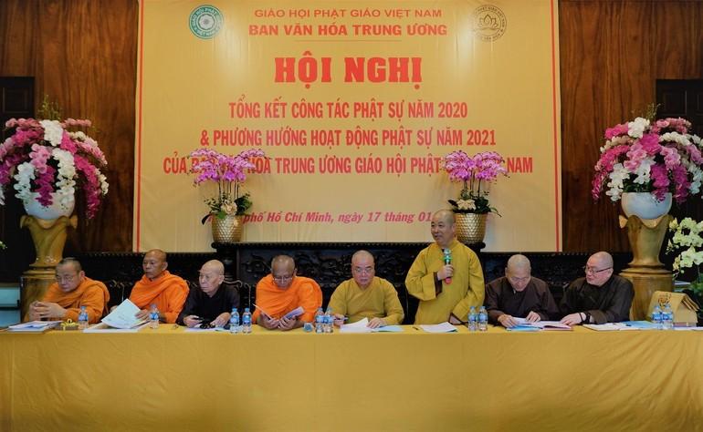Thượng tọa Thích Thọ Lạc phát biểu tại Hội nghị