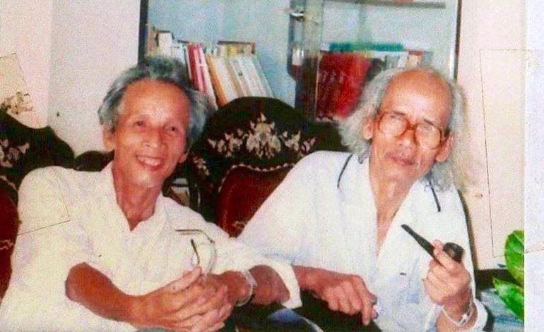 Tác giả với nhạc sĩ Hằng Vang (phải)