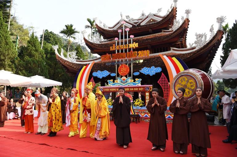 Lễ khai hội chùa Hương năm 2019