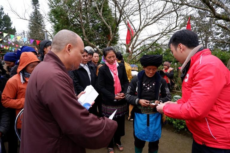 Trao quà Tết yêu thương - Xuân Tân Sửu 2021 đến đồng bào xã Y Tý, huyện Bát Xát, tỉnh Lào Cao
