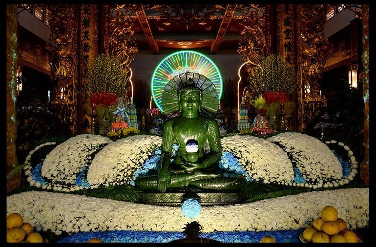 Ngày xuân, chiêm ngưỡng tôn tượng Phật ngọc tại chùa Vĩnh Nghiêm