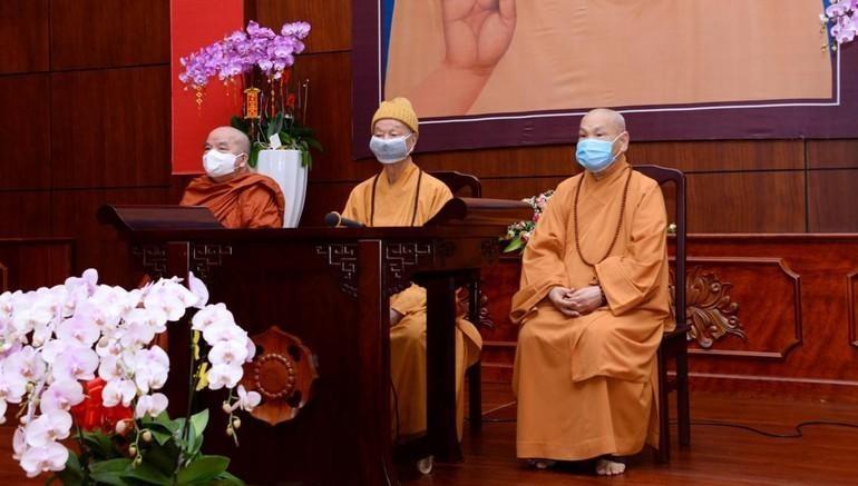 Trưởng lão Hòa thượng Thích Trí Quảng, Hòa thượng Thích Thiện Nhơn tại Việt Nam Quốc Tự - Ảnh: Bảo Toàn/BGN