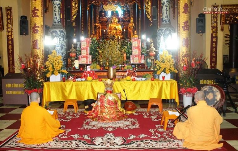 Lễ cầu an tại chùa Quán Sứ - Hà Nội được online trên mạng xã hội Butta.vn