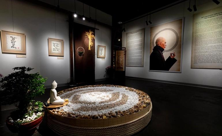 Khai mạc triển lãm sách và thư pháp của Thiền sư Thích Nhất Hạnh