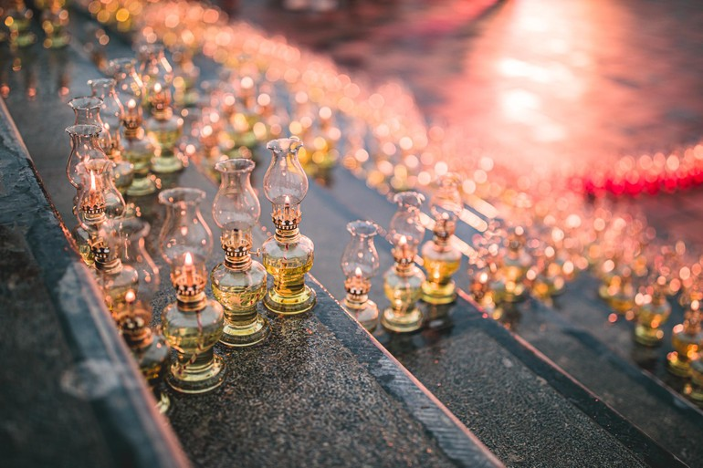 Hà Nam: Thắp đèn tưởng niệm Đức Phật nhập Niết-bàn và khánh đản Bồ-tát Quán Thế Âm