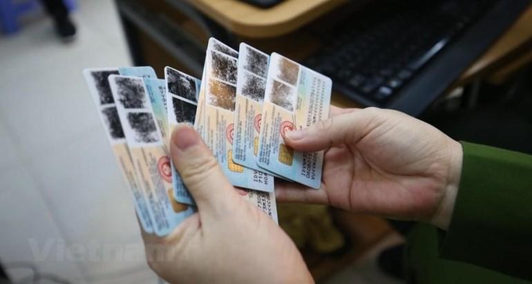 Tại buổi họp giao ban trực tuyến về xây dựng Cơ sở dữ liệu quốc gia về dân cư và Dự án sản xuất, cấp và quản lý CCCD, Bộ trưởng Bộ Công an yêu cầu trước ngày 1-7-2021, cấp 50 triệu thẻ CCCD mới đối với các trường hợp đủ điều kiện được cấp thẻ trên toàn quốc.