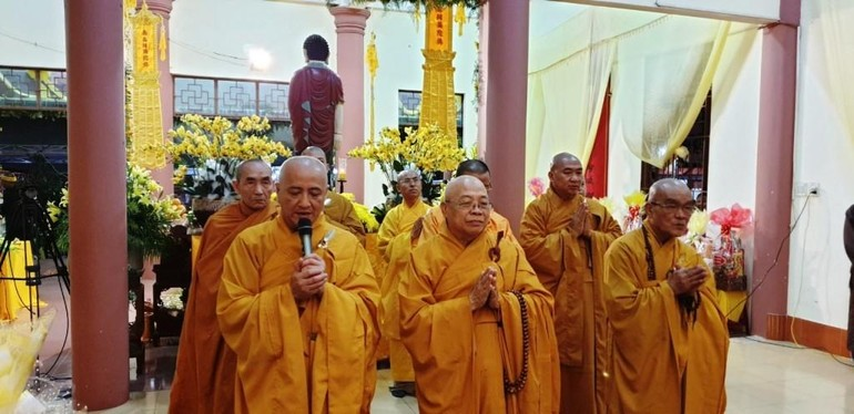 Phái đoàn đại diện Trung ương GHPGVN viếng tang Trưởng lão Hòa thượng Thích Từ Hương - Ảnh: Ban TTTT GHPGVN Gia Lai