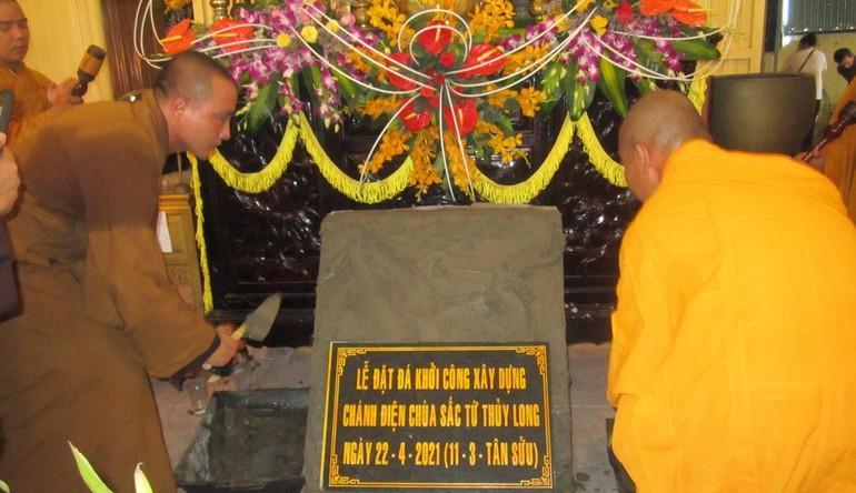 Đặt đá xây dựng chánh điện chùa Sắc tứ Thủy Long