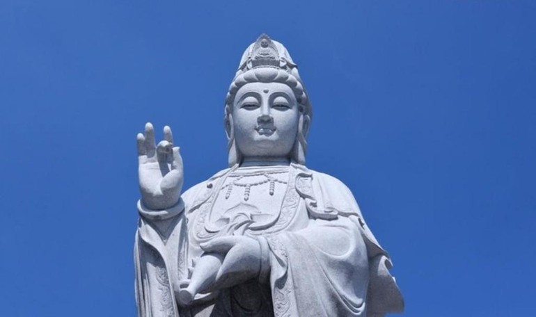 Tôn tượng Quán Thế Âm tại Việt Nam Quốc Tự - Ảnh: Bảo Toàn/BGN