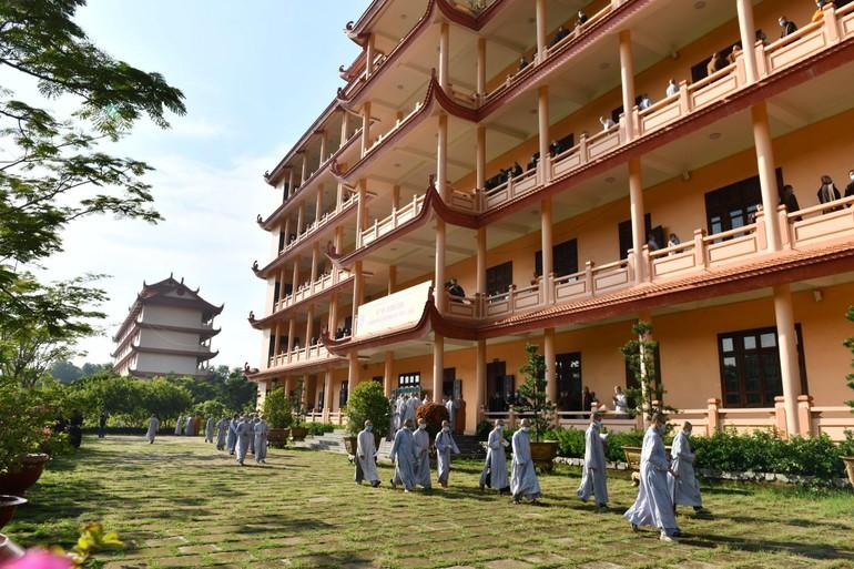 Thí sinh tham dự kỳ thi tuyển sinh cử nhân khóa XV tại cơ sở I Học viện Phật giáo VN tại TP.HCM